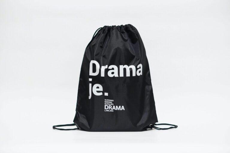 drama-je.-nahrbtnik